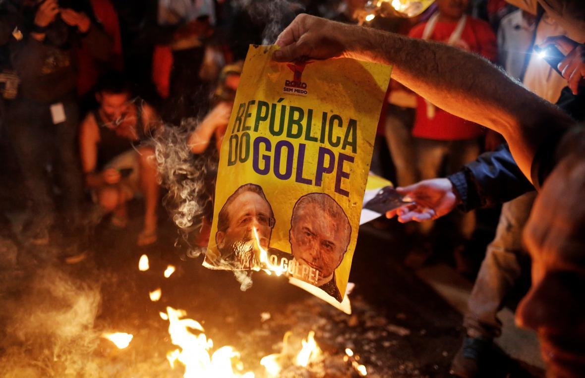 Protesty proti dění na brazilské politické scéně