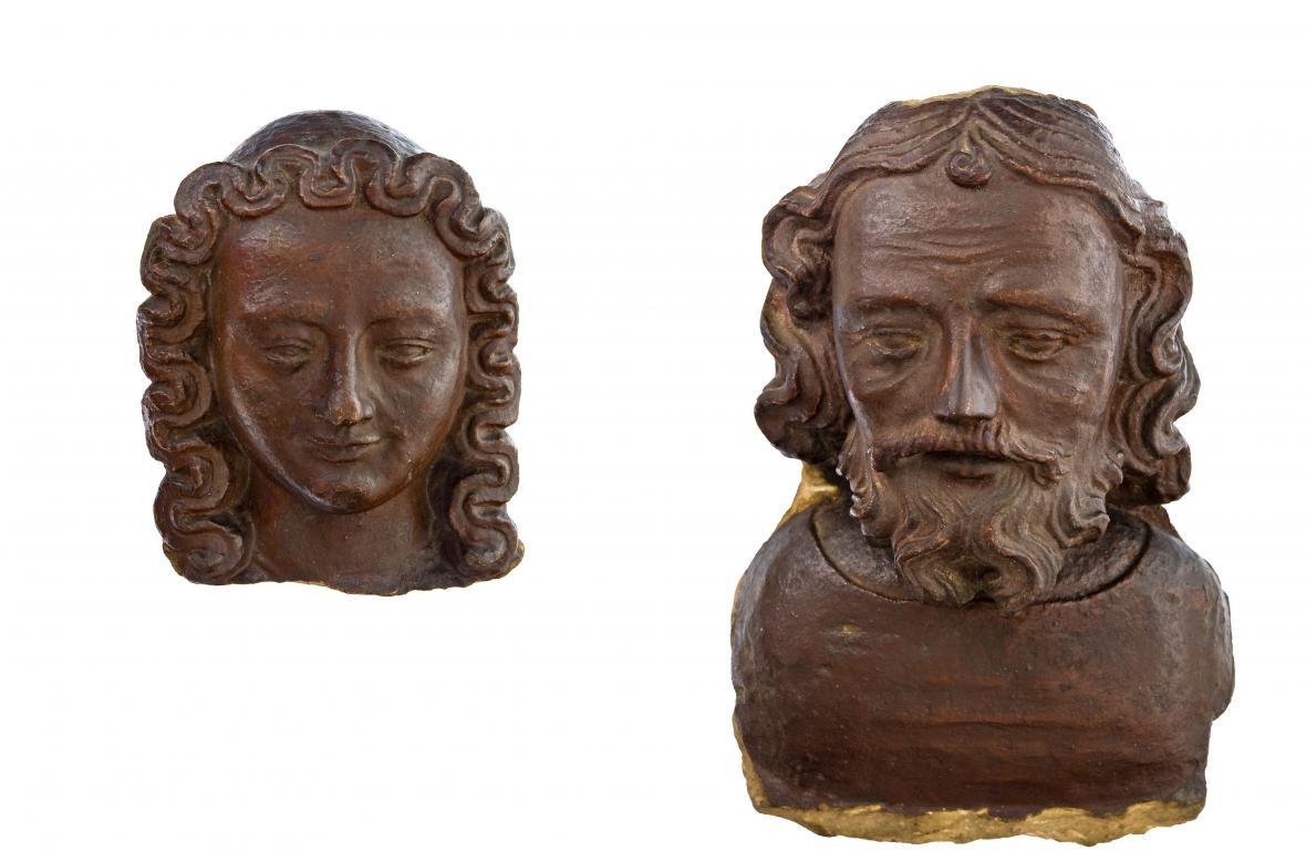 Ženská a mužská hlava z kostela sv. Ondřeje v Erfurtu, dkolem 1365–1370