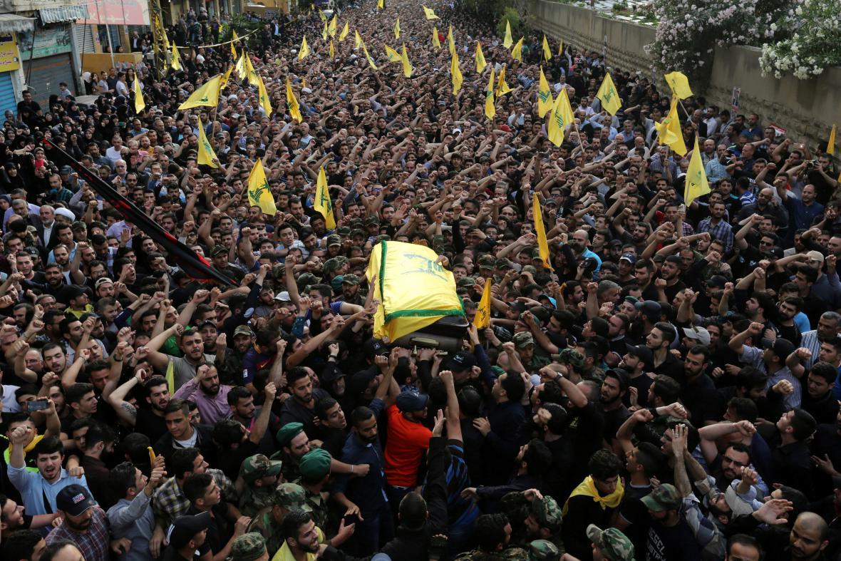 Pohřeb velitele Hizballáhu Badraddína v Bejrůtu