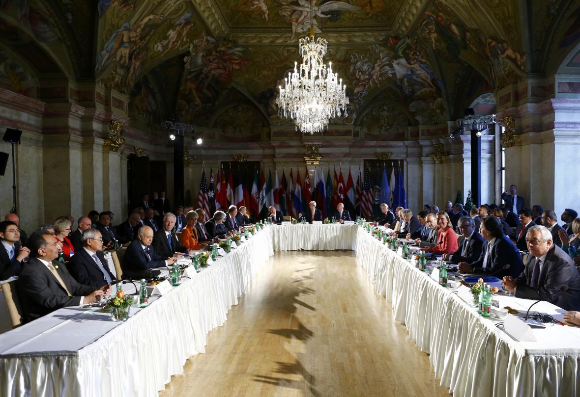 Zástupci mocností jednají ve Vídni o Sýrii
