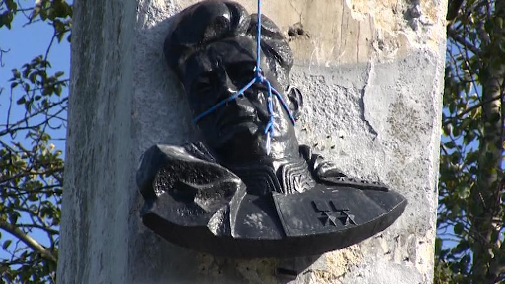 Odstranění pomníku sovětského generála Ivana Čerňachovského
