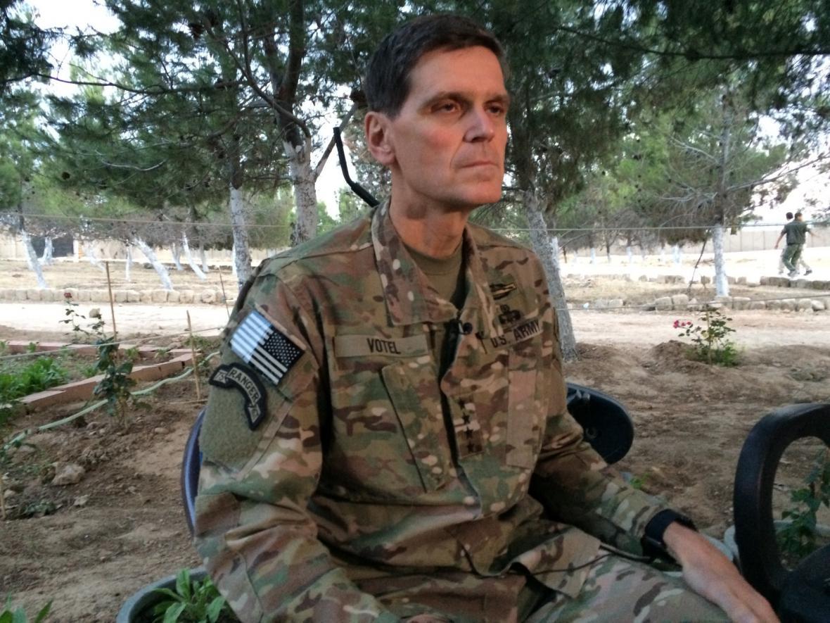Americký generál Joseph Votel
