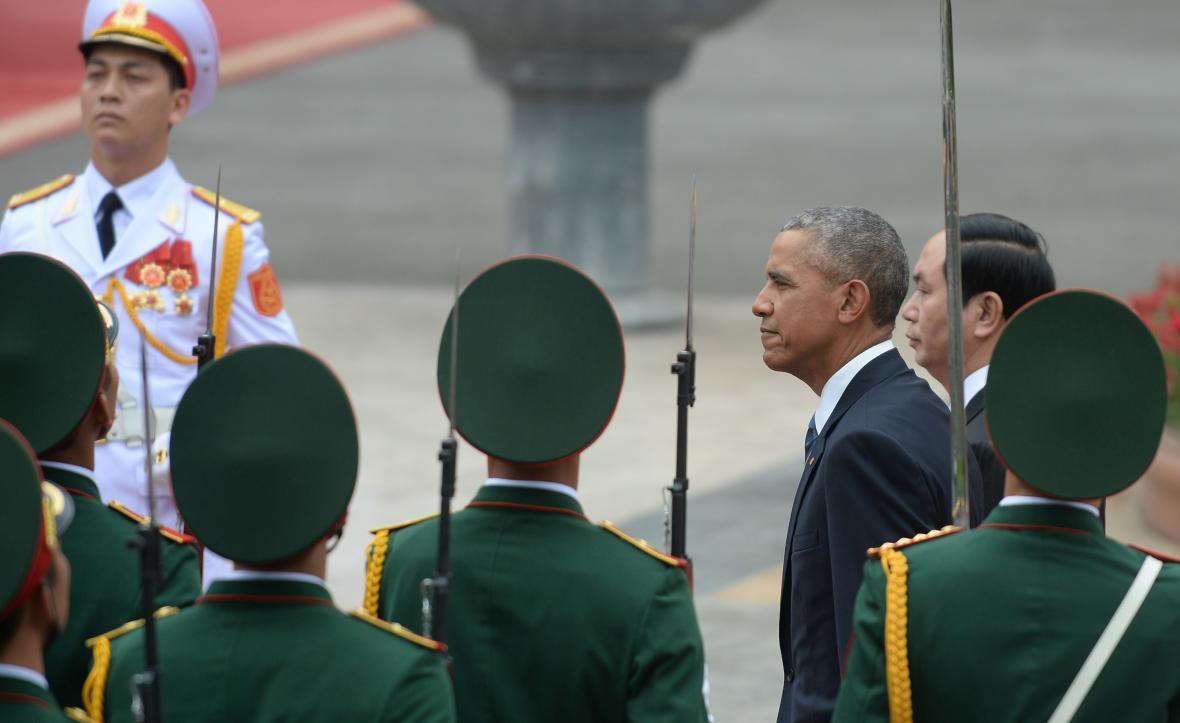 Barack Obama a vietnamský prezident Tran Dai Quang