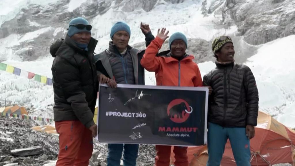 Cestu na Mount Everest natočila čtveřice šerpů