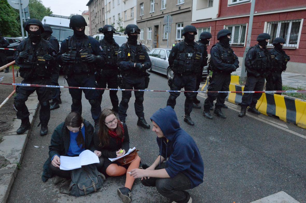 Policejní zásah v Klinice