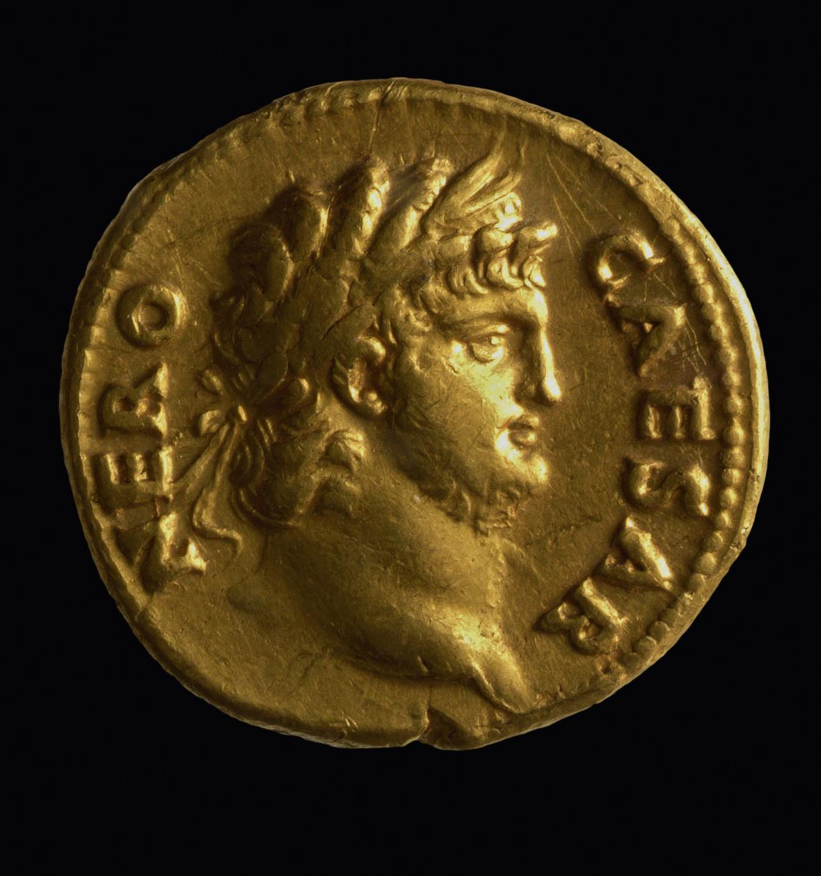 Zlatá mince s portrétem Nera