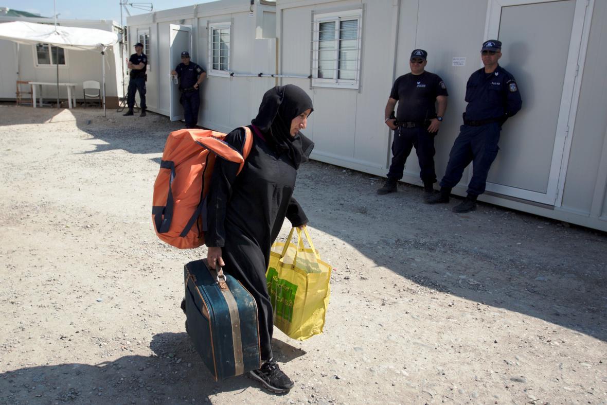 Vyklízení provizorního uprchlického tábora Idomeni