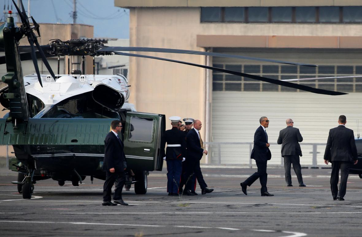 Barack Obama po přistání v Hirošimě
