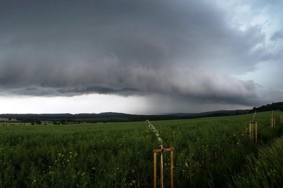 Bouřka nedaleko Zbiroha na okraji Křivoklátska