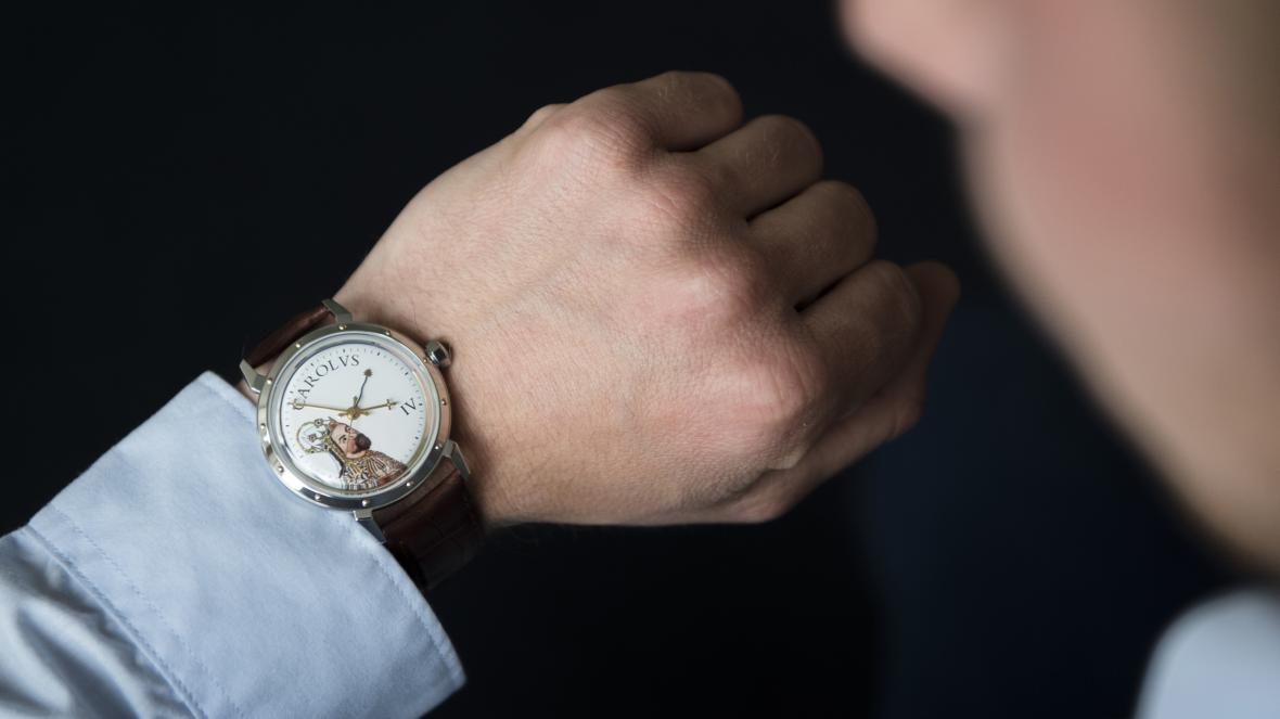 Limitovaná edice náramkových hodinek Prim k 700. výročí narození císaře Karla IV