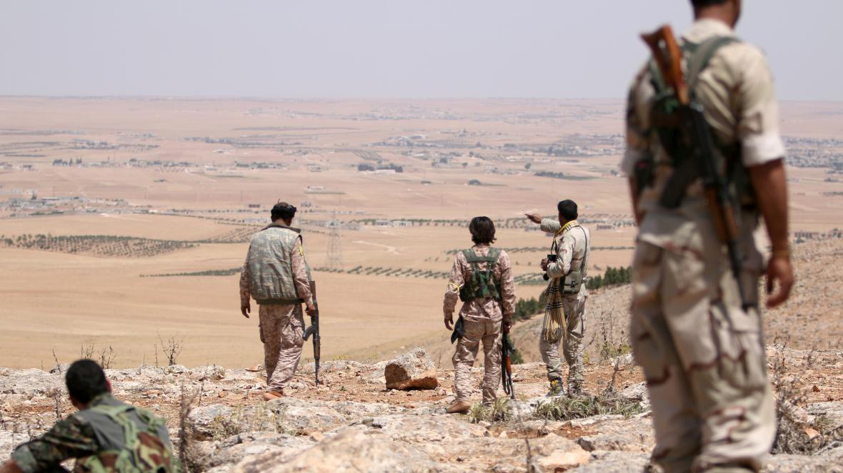 Vojáci v oblasti Manbidže