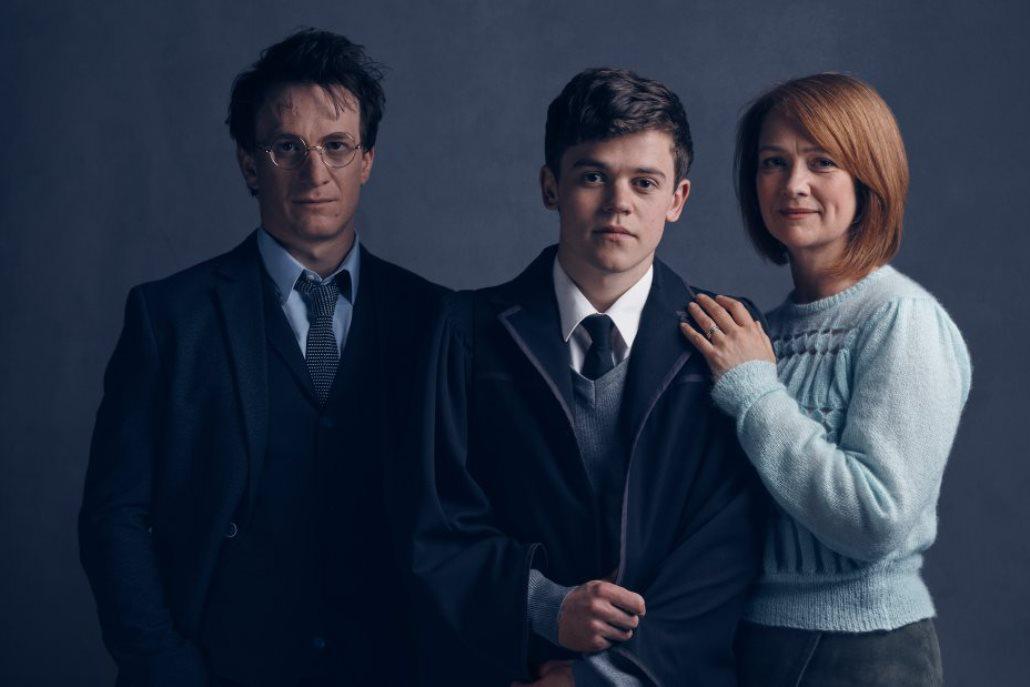 Jamie Parker jako Harry, Sam Clemmett jako syn Albus a Poppy Millerová jako Ginny