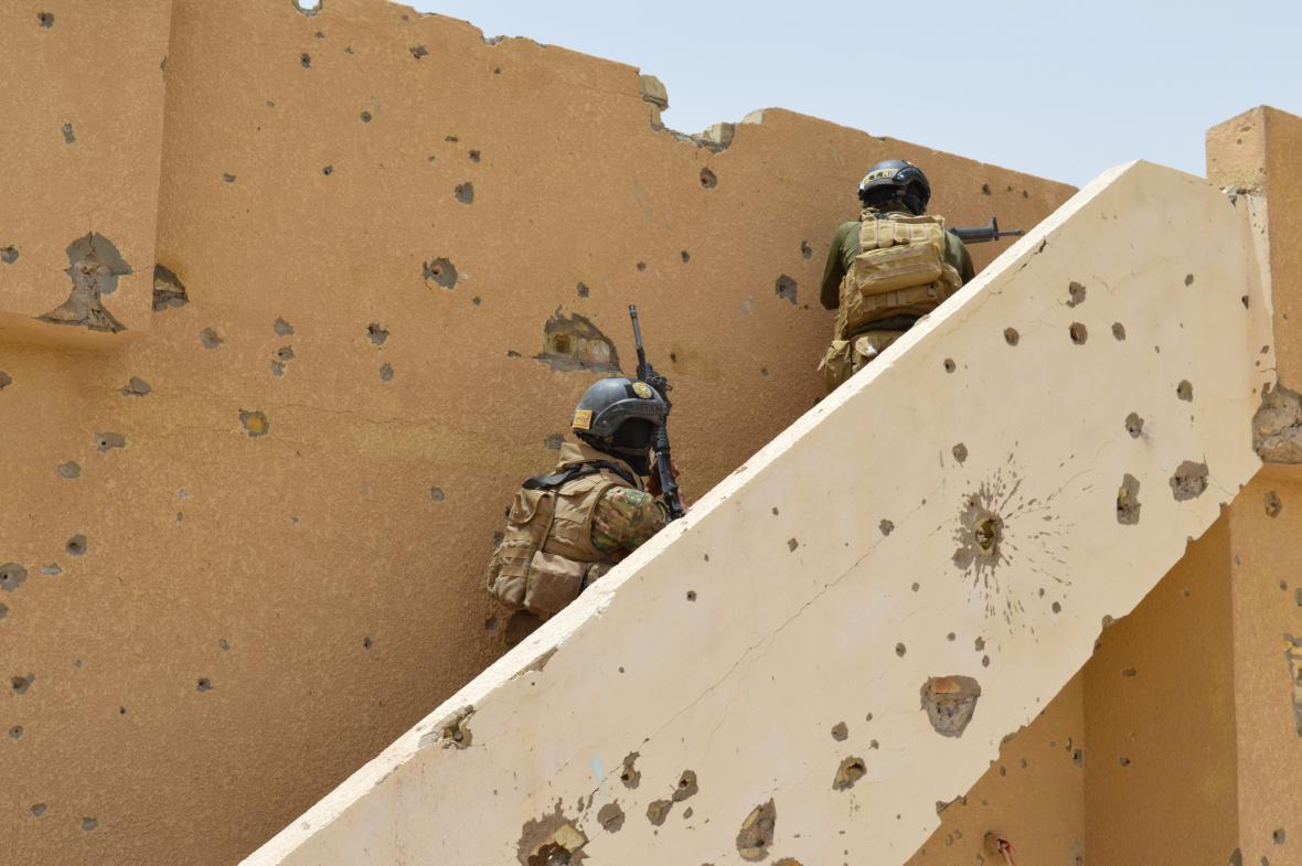 Iráčané se snaží dobýt zpět Fallúdžu