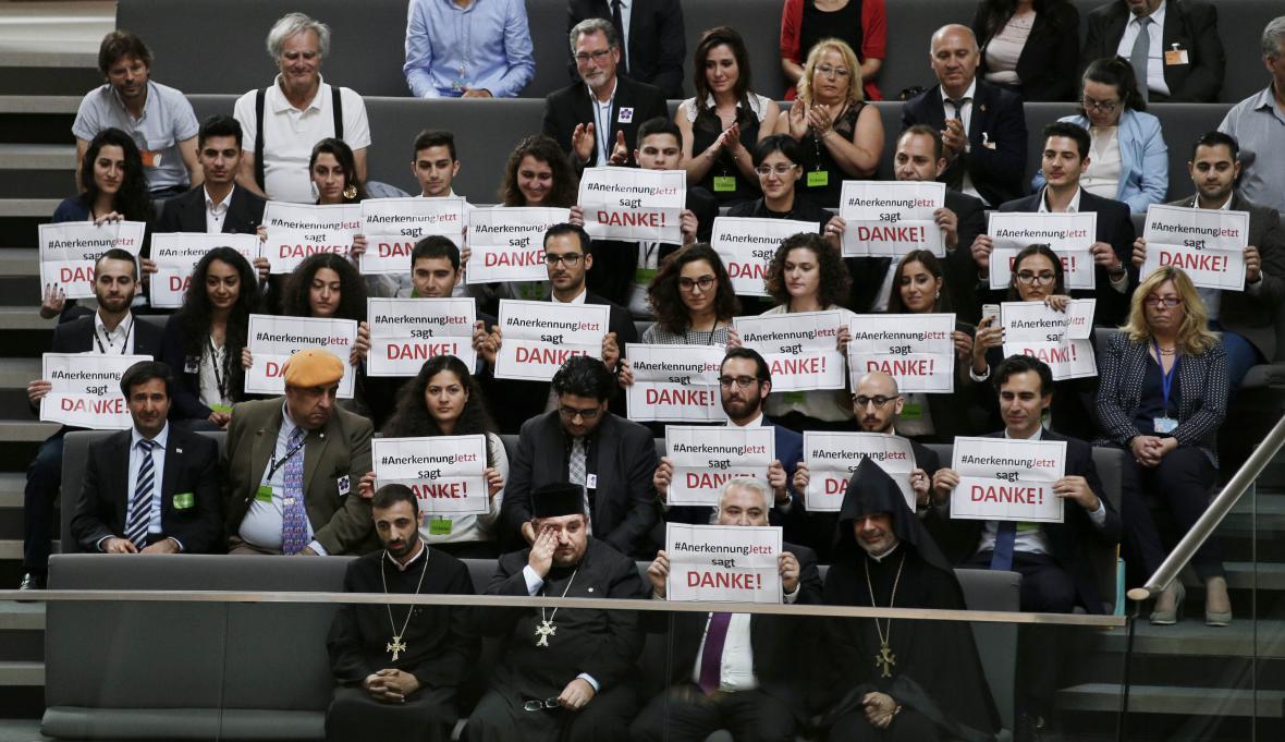 Němečtí poslanci odsouhlasili rezoluci o genocidě v Arménii