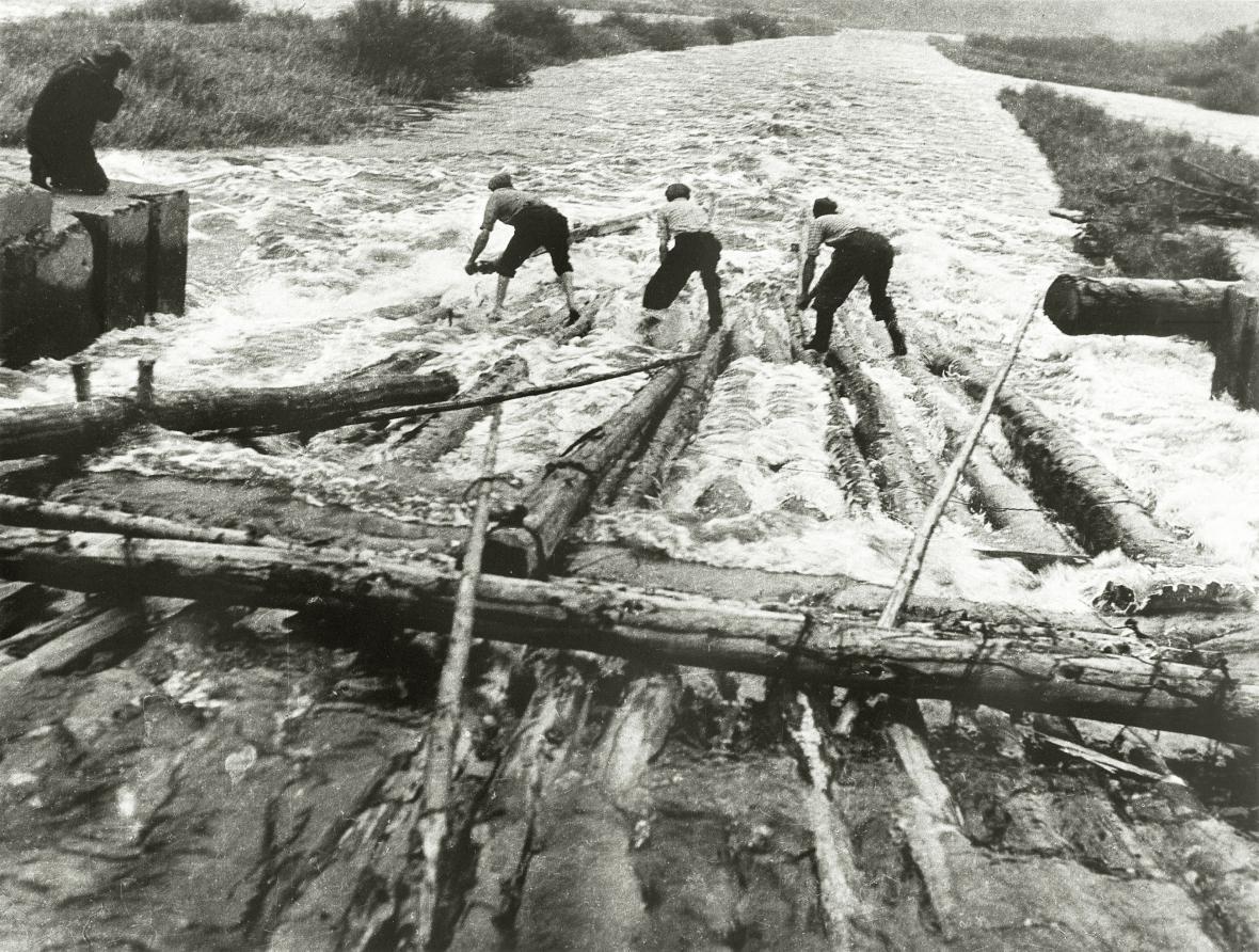 Proplouvání propustí v Letoštici, 1955-60