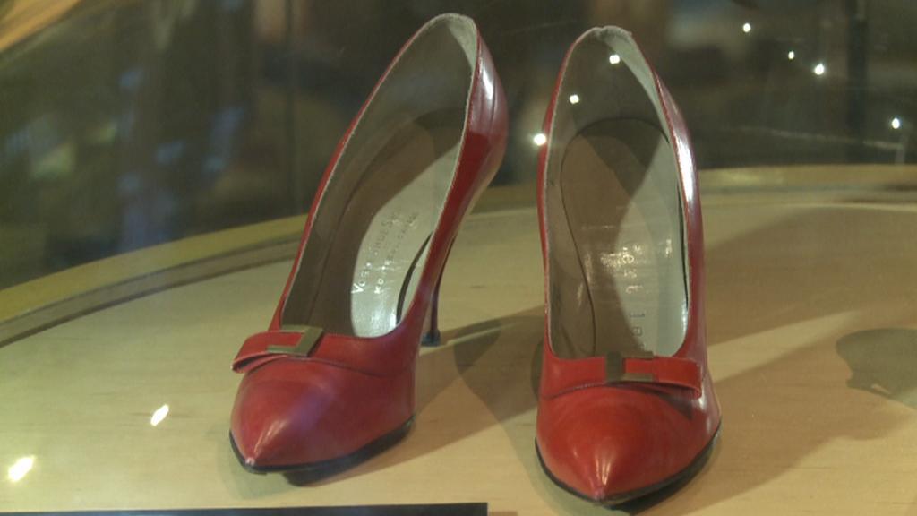 Lodičky Marilyn Monroe v Baťově muzeu obuvi v Torontu