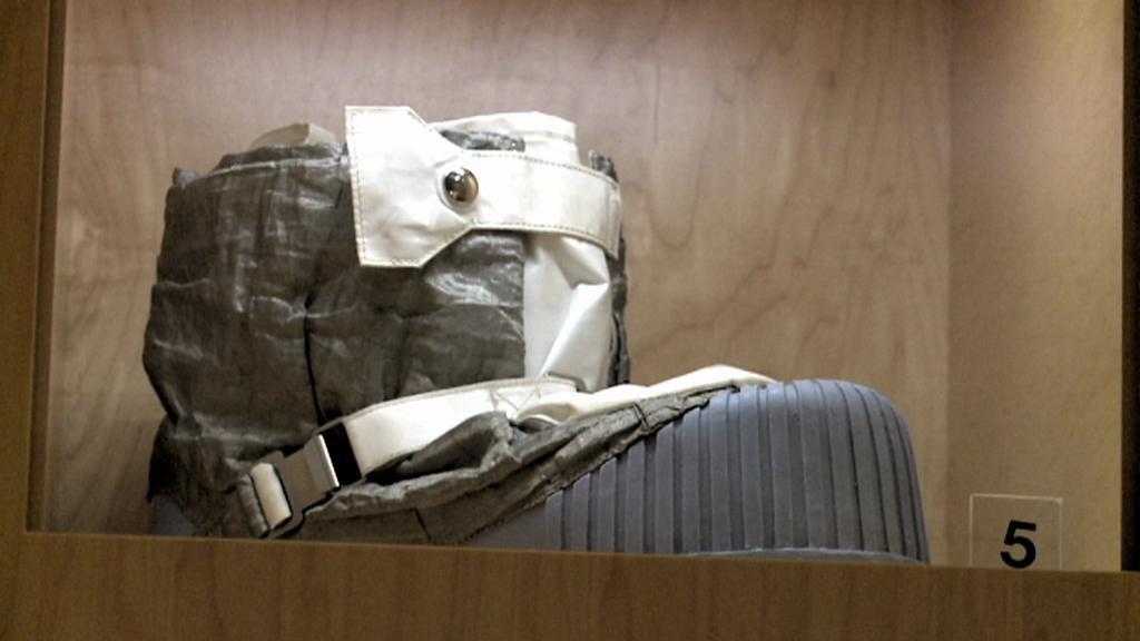 Boty Neila Armstronga z amerického přístání na Měsíci
