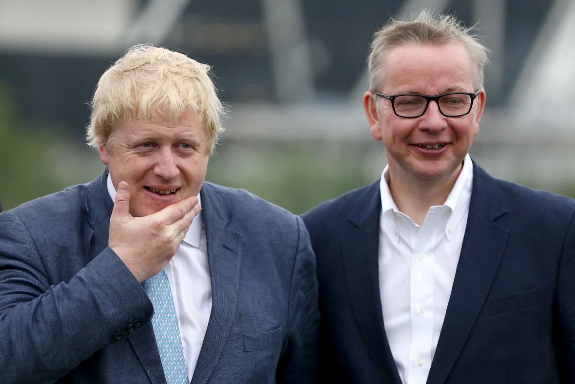 Bývalý starosta Londýna Boris Johnson a ministr spravedlnosti Michael Gove