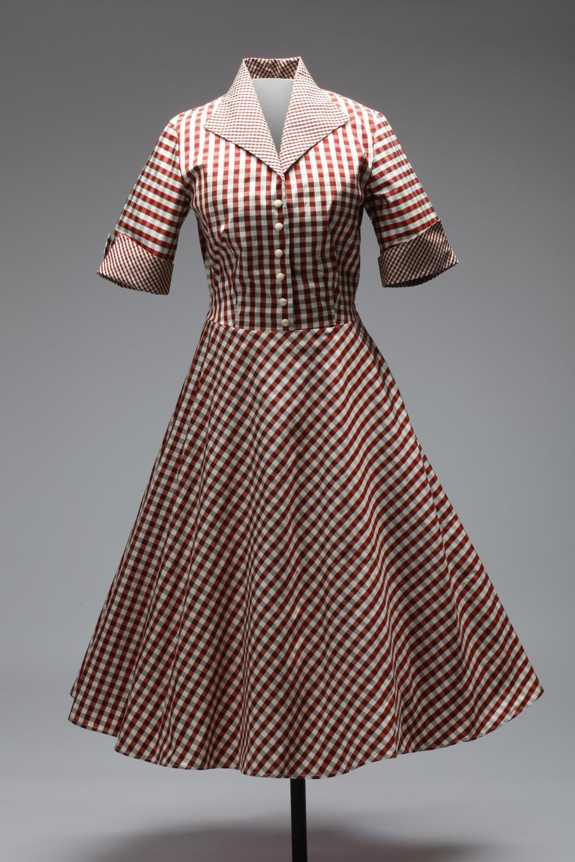 Šaty Debra kostkované se širokou kolovou sukní ušité podle originálního střihu z 50. let, hedvábný dupion, 2015 (Lazy Eye)