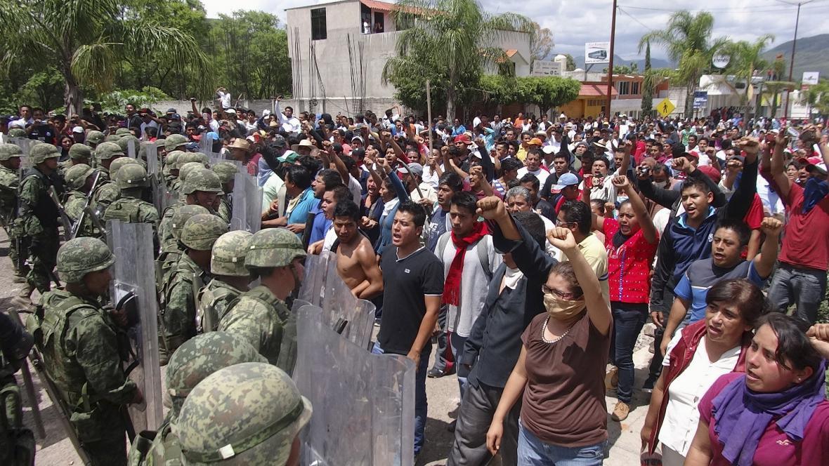 Demonstrace odborů trvají už několik měsíců