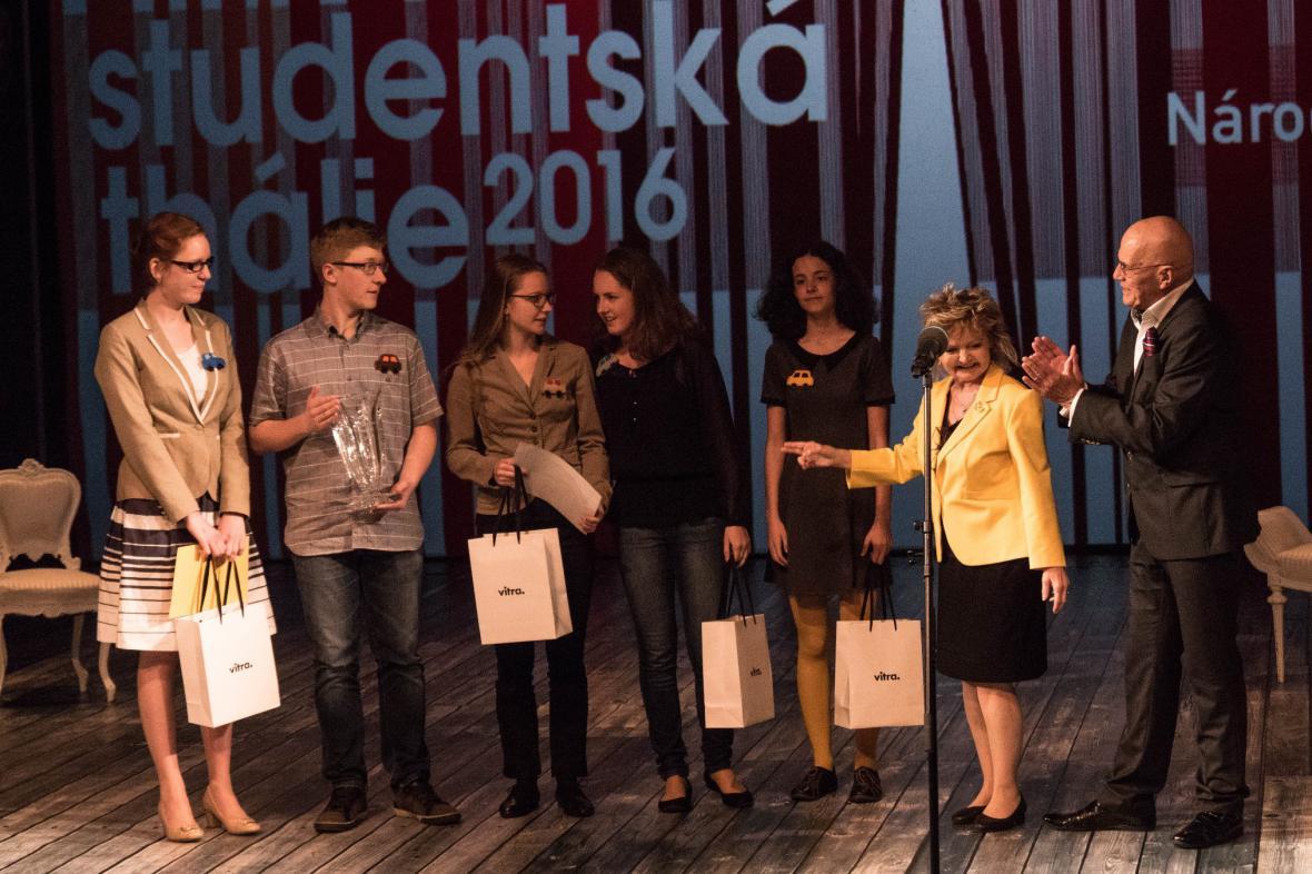 Tereza Paděrová a kol., hra Cestou - Cena Studentské Thálie za autorský tvar neuměleckých škol
