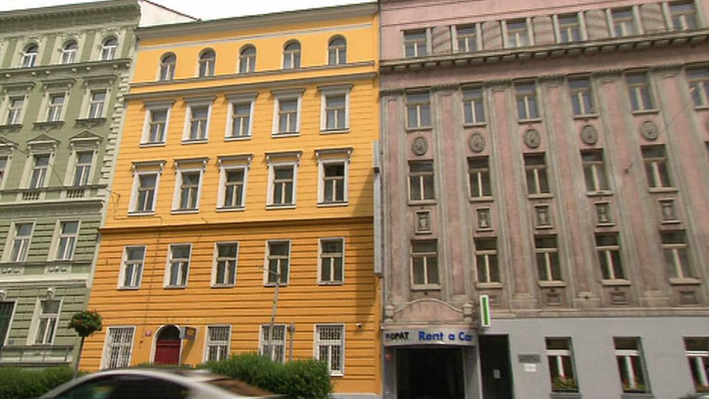 Žlutý dům prodal ČSBS za 11 milionů korun
