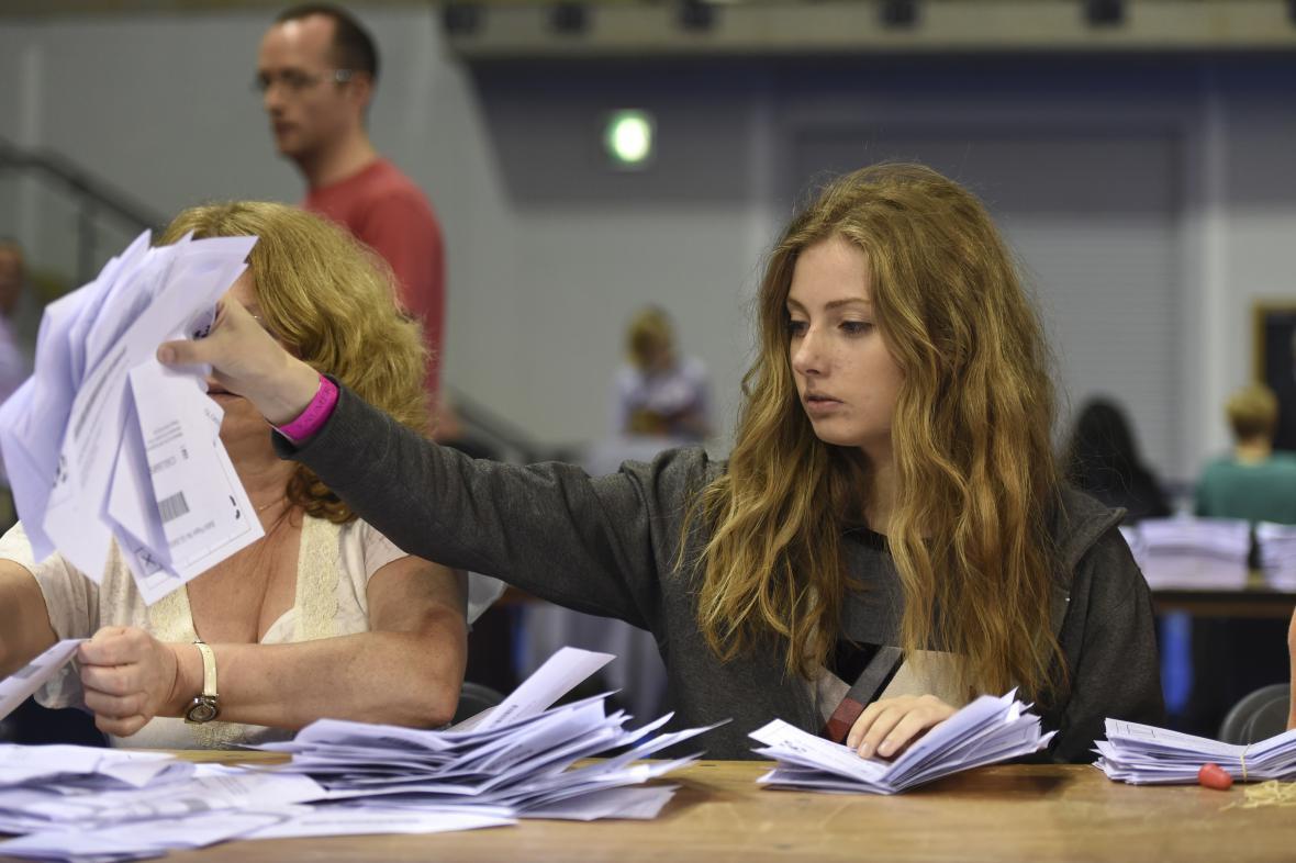 Sčítání hlasů v britském referendu