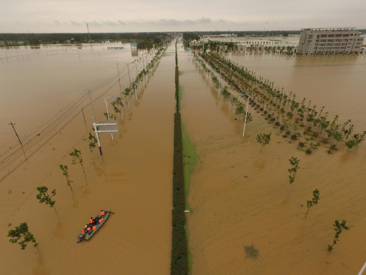 Vytrvalé deště způsobily záplavy ve střední Číně