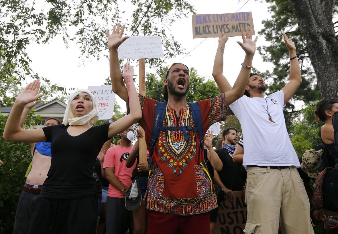 Protesty proti policejnímu násilí v USA