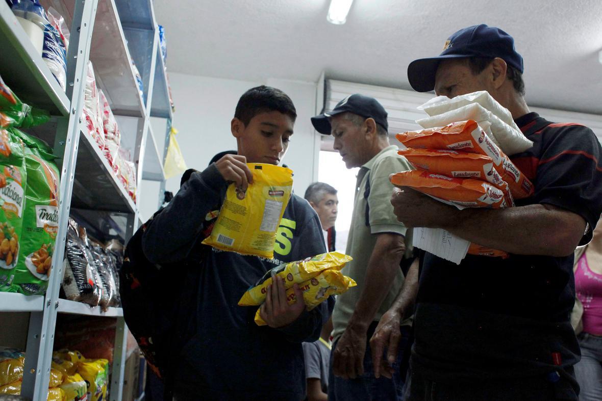 Venezuelané si mohli nakoupit v Kolumbii