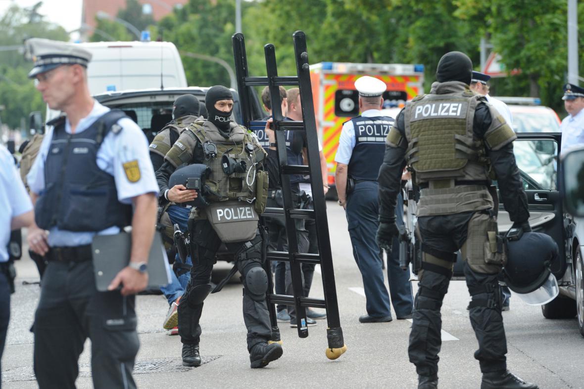 Policejní zásah v advokátní kanceláři v německém Stuttgartu