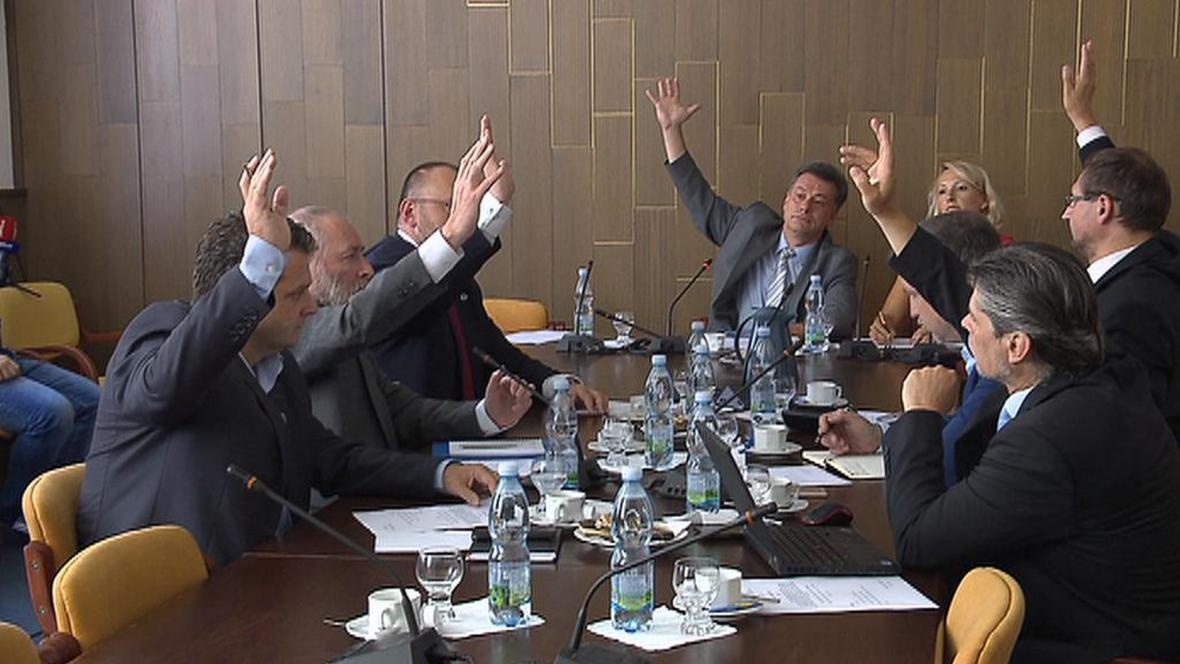 Sněmovní vyšetřovací komisi k reorganizaci policie předsedá Pavel Blažek