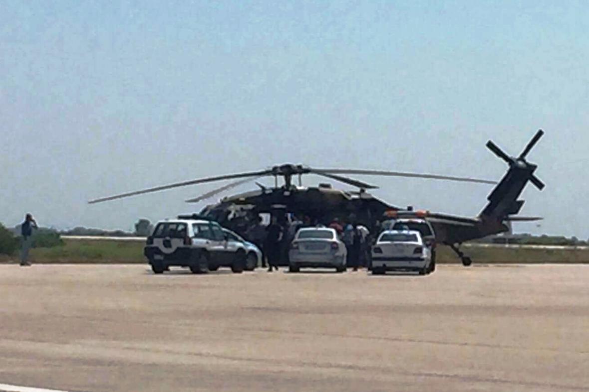 Turecký vojenský vrtulník v sobotu přistál na řeckém letišti