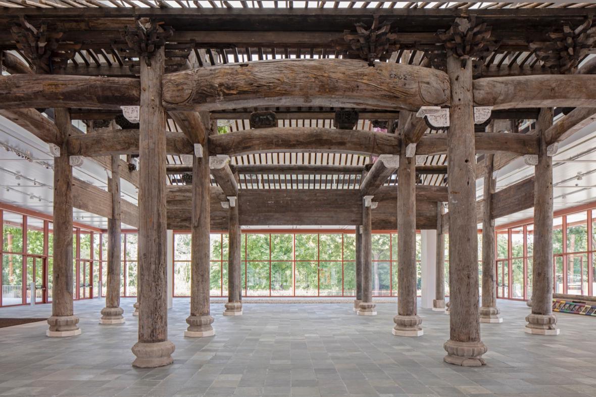 Čínský chrám na výstavě Aj Wej-weje ve Vídni