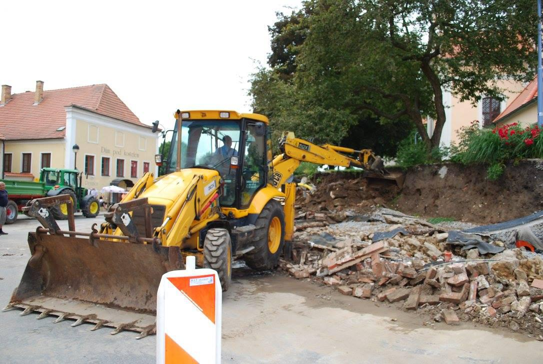 Škody po bouřce v Týně nad Vltavou