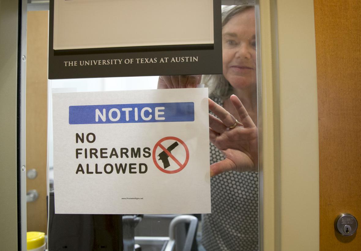 Dosud zbraně na texaské univerzity nemohly