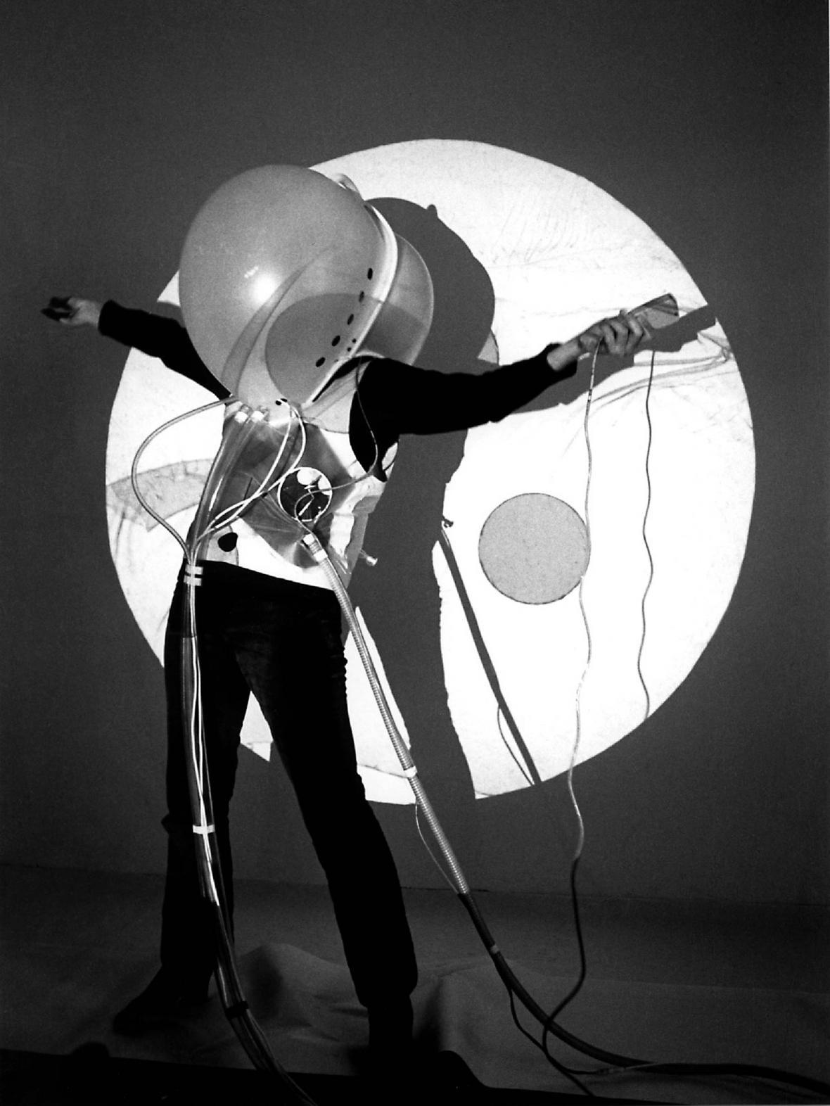 The White Suit (COOP HIMMELB(L)AU, Wolf D. Prix, Helmut Swiczinsky, 1969)