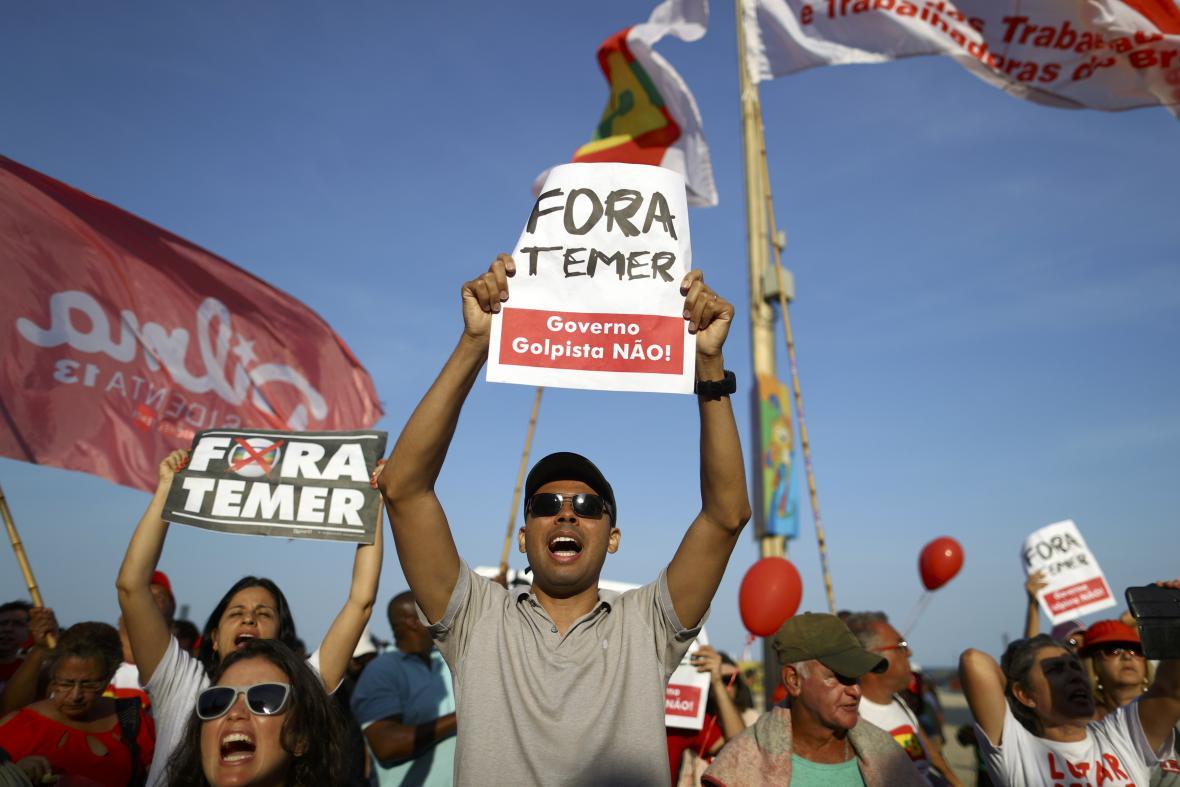 Brazilci protestují proti sesazení prezidentky