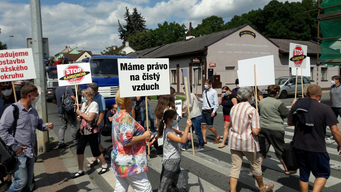 Protest v Uhříněvsi