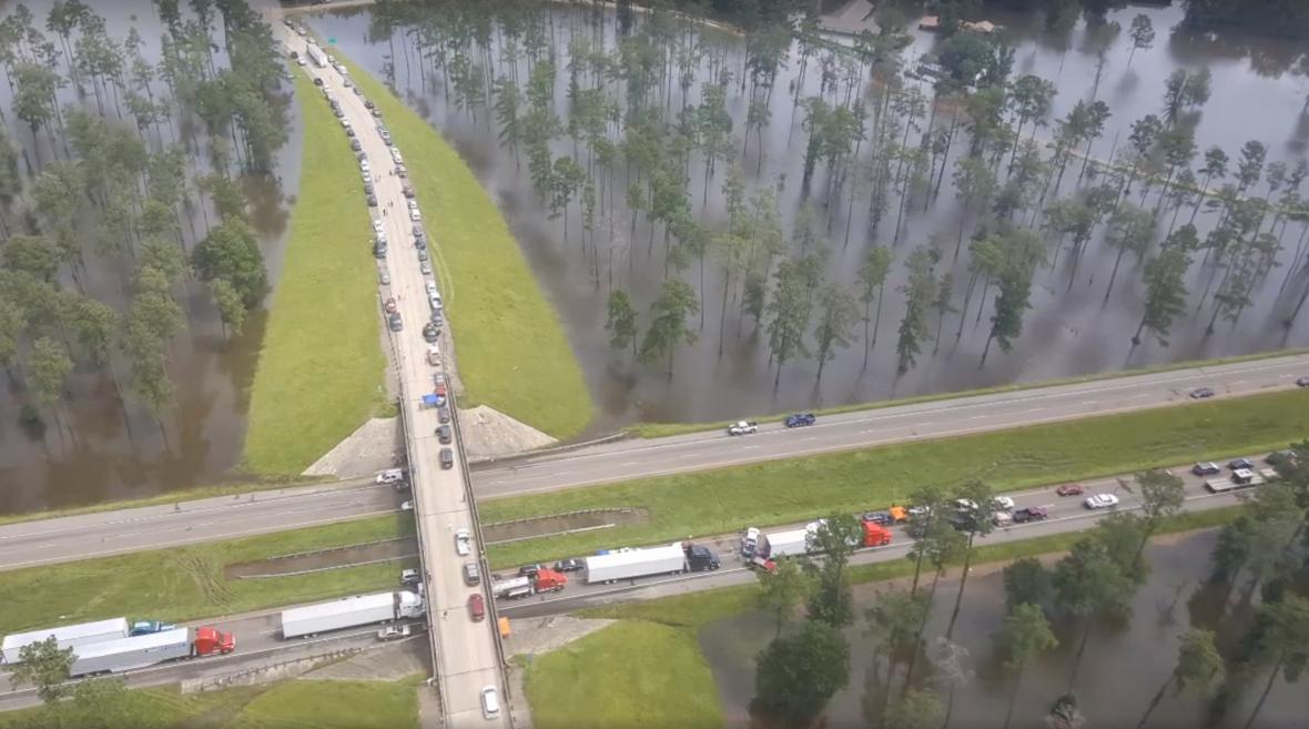 Záplavy v Louisianě a dálnice číslo 12