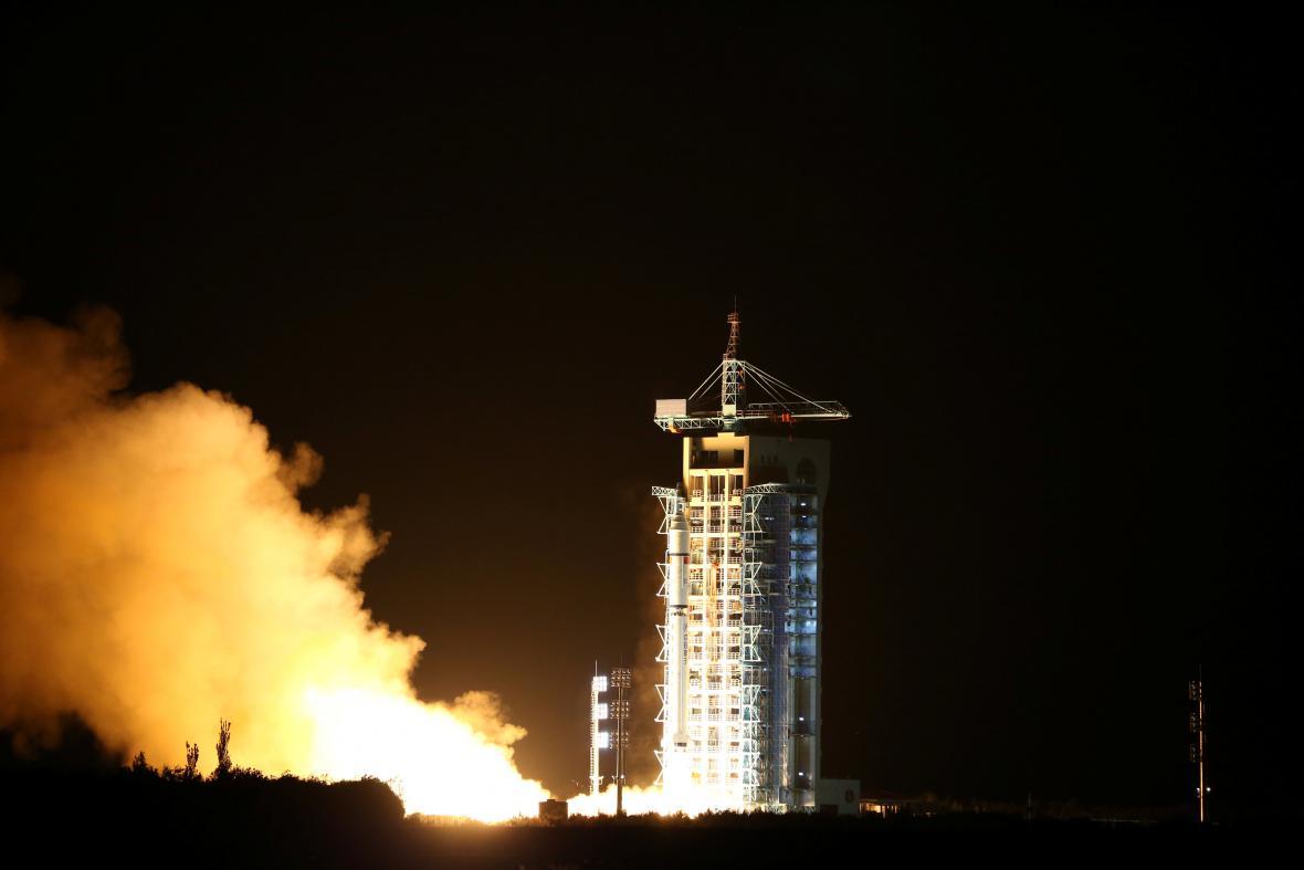 Číňané vyslali do vesmíru kvantový satelit