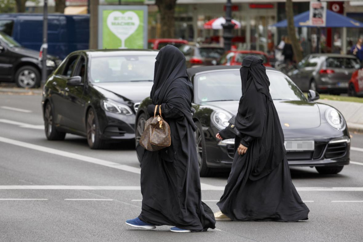 Muslimské ženy v burkách