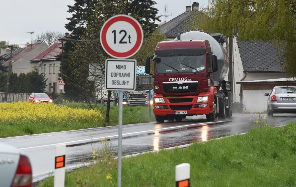 Zákaz vjezdu kamionům na Přerovsku