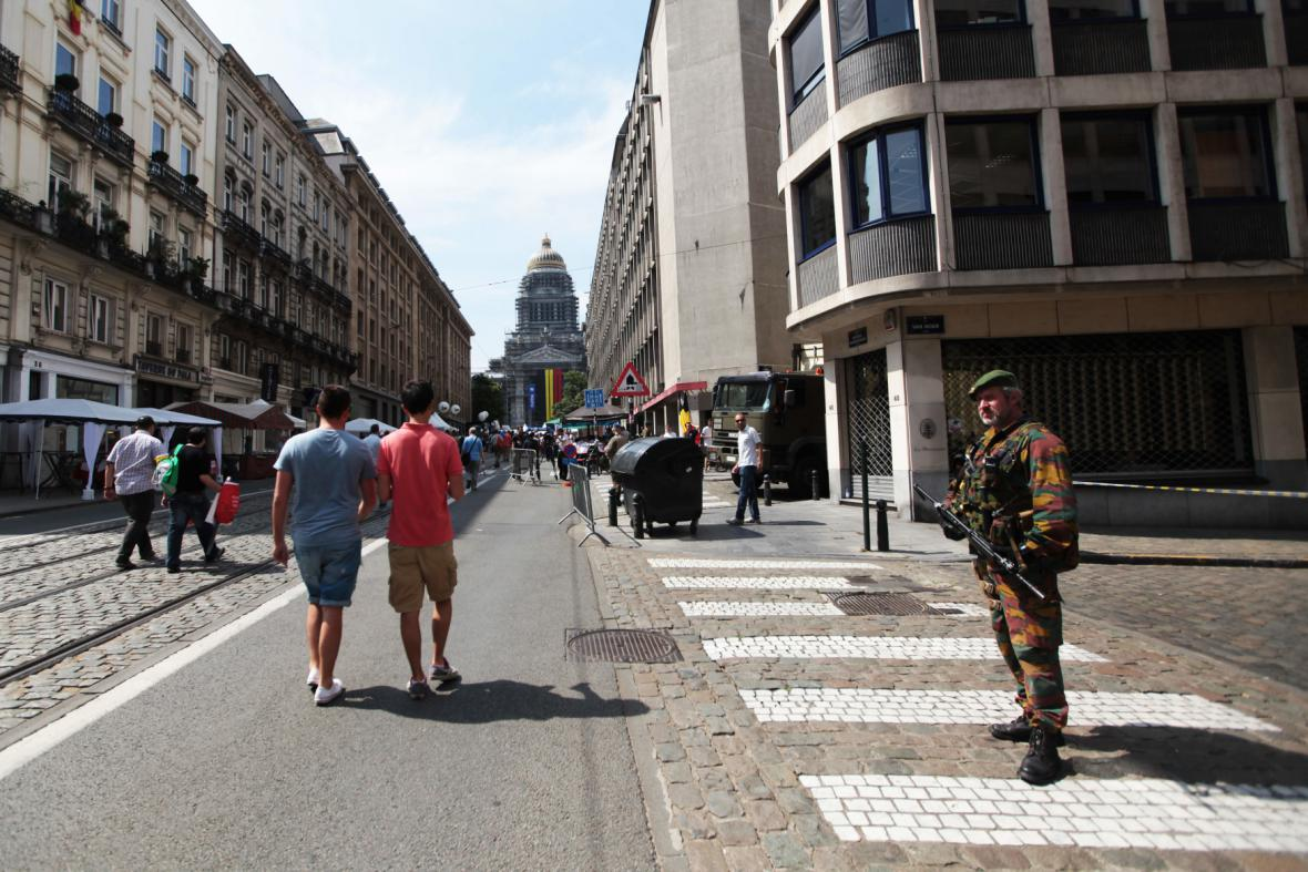 Voják v ulicích Bruselu