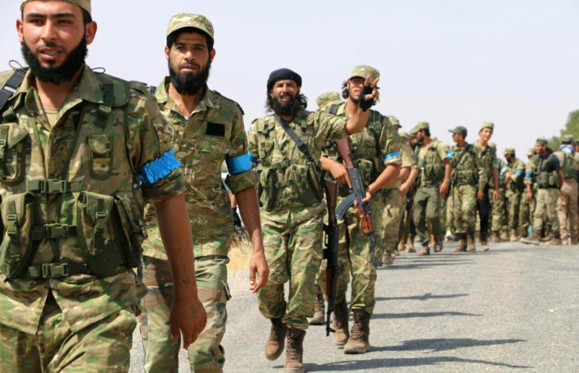 Syrští opoziční bojovníci