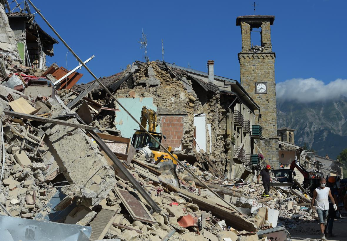 Otřesy zničily historické město Amatrice