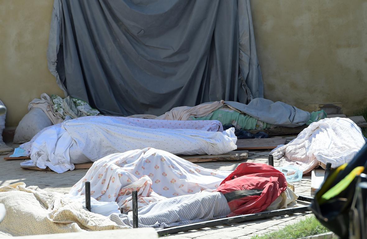 Zemětřesení si vyžádalo stovky obětí
