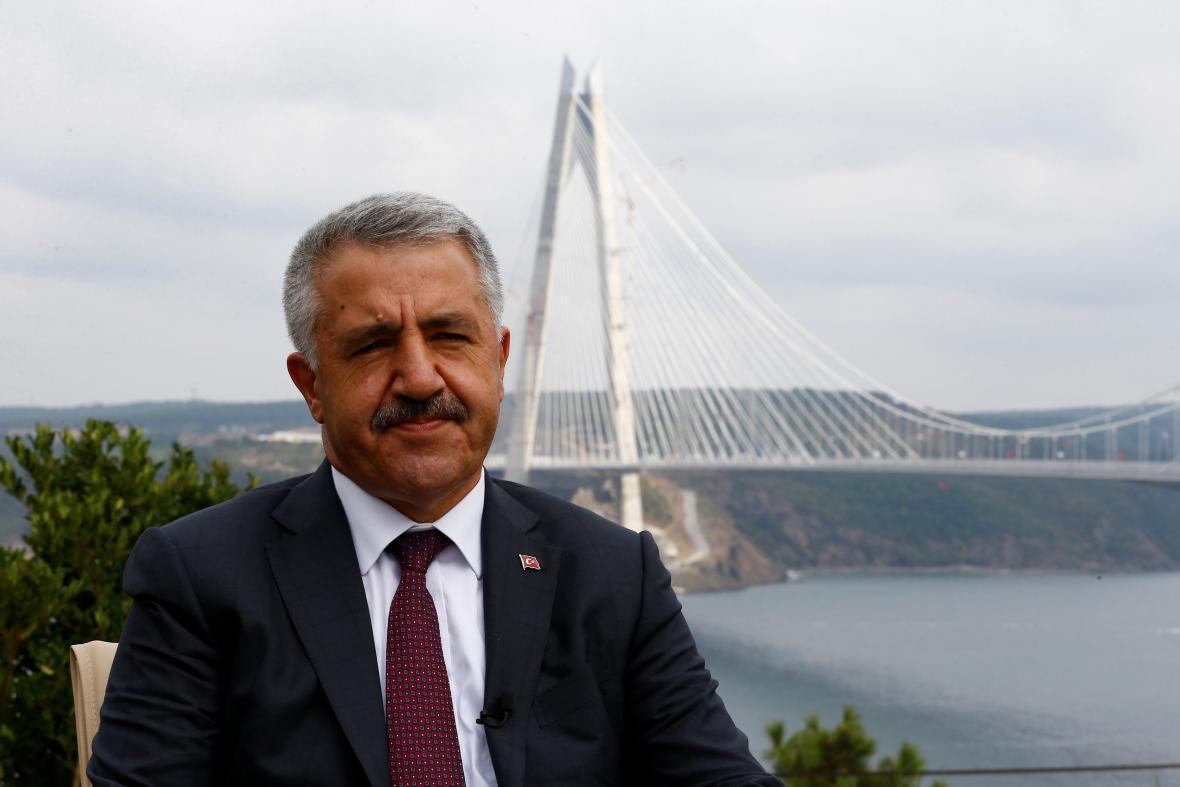 Turecký ministr dopravy Ahmet Arslan