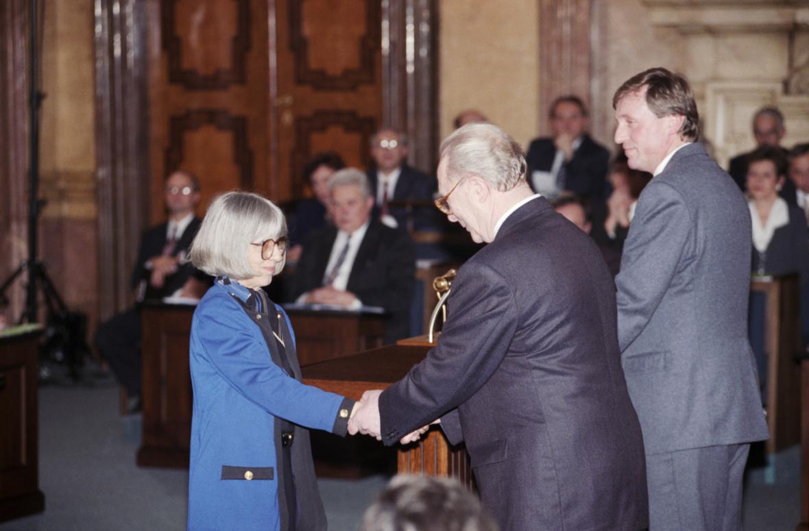 Skládání slibu v roce 1996