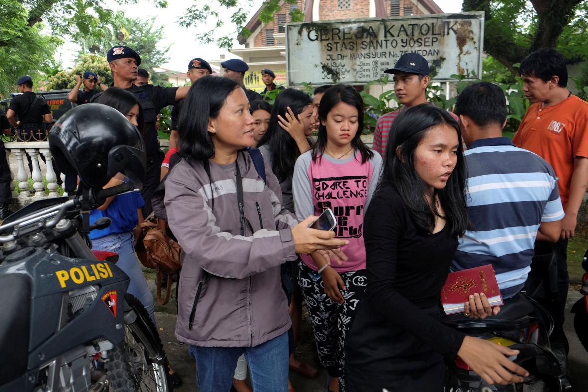 Útok v indonéském kostele